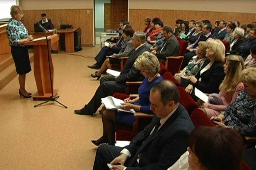 ВКалуге прошли публичные слушания погородскому бюджету на 2017-й год